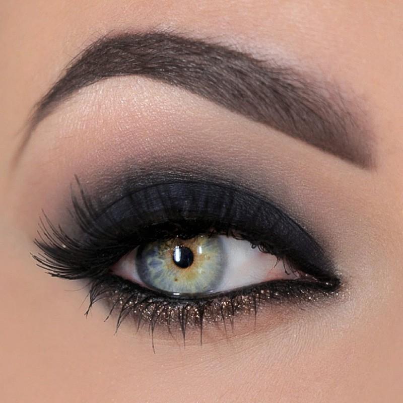 Smokey eyes   Dramatic eye makeup, Dramatic smokey eye